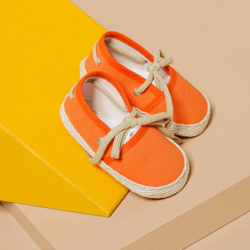 LES ESPADRILLES  Taille-3-6 MOIS Couleur-Orange